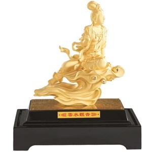 Patung Kwan Yin Diatas Awan