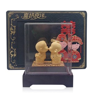 Pajangan Patung Souvenir Couple Lapisan Emas 24K Tian Mi Mi