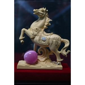 Patung Pajangan Kuda Lapisan Emas 24K