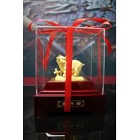 Jual Pajangan 12Shio Patung Babi Souvenir Lapisan Emas 24K 2