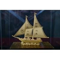 Distributor Pajangan Kapal Lapisan Emas Cocok Dibuat Pajang Atau Dijadikan Souvenir  3