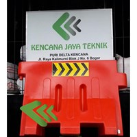 Pembatas jalan - Road barrier
