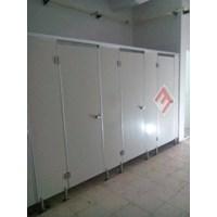 Aksesoris Kamar Mandi - Partisi Cubicle Toilet 1