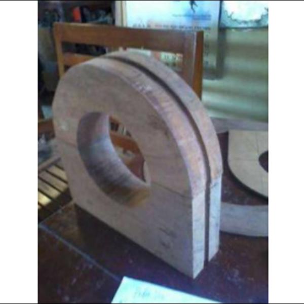 Wooden Block Penyangga Pipa
