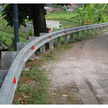Flex Beam Guardrail Jalan