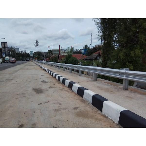 spesifikasi guardraill toll