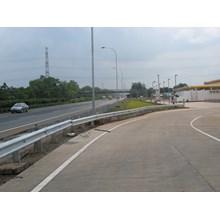 Guardrail Pengaman Jalan