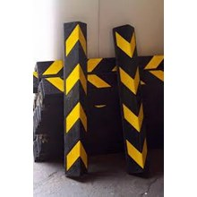 Guardrail Jalan Rubber Corner Guard