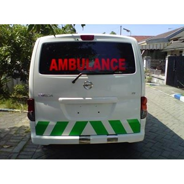 Modifikasi Mobil Ambulance Evalia
