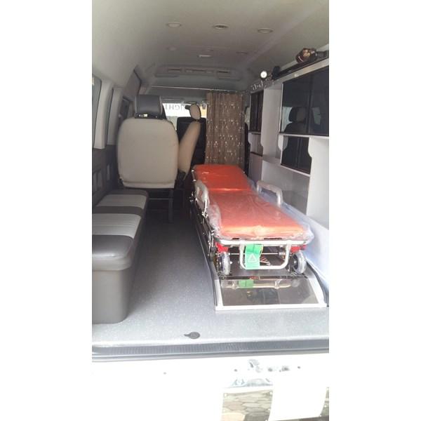 Modifikasi Mobil Ambulance  PLN Indonesia Power Probolinggo