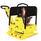 Mesin Pemadat Tanah / Plate Compactor Model : KMU - CR 330 1