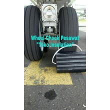 Wheel Chock Roda Pesawat