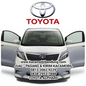 Kacamobil Toyota Alphard