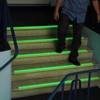 Distributor Anti Slip Glow In The Dark Lakban Lantai Menyala 3