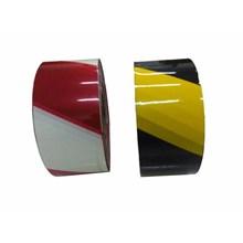 Barikade Tape Merah Putih Lakban Merah Putih