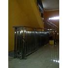 Railing tangga minimalis hollo 1