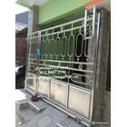 Pintu pagar kapsul 1