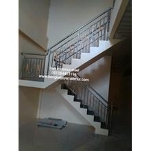 Railing tangga minimalis bandul