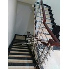 Railing tangga hollo 20/10 kayu 3