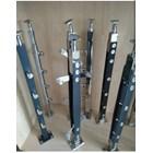 Tiang railing tangga besi jk001 1