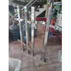 Tiang railing tangga stainless k001 1