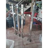 Pole railing