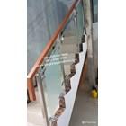 Railing tangga stainless kaca temperd sandblast 2