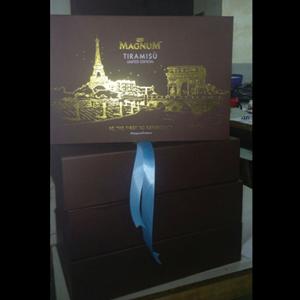 Box Launching Ice Cream Magnum
