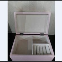 Box Perhiasan