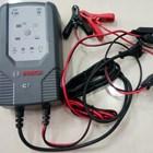 Cas Aki Mobil Battery charger merk BOSCH C7 12/24V 5