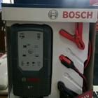 Cas Aki Mobil Battery charger merk BOSCH C7 12/24V 4