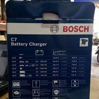 Distributor Cas Aki Mobil Battery charger merk BOSCH C7 12/24V 3