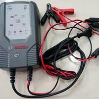 Cas Aki Mobil Battery charger merk BOSCH C7 12/24V