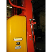 Semi Electric stacker bergaransi Murah 5
