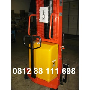 Semi Electric stacker bergaransi