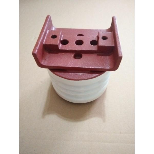 Isolator Keramik 6kV Ukuran Diameter 120mm x tinggi 130mm