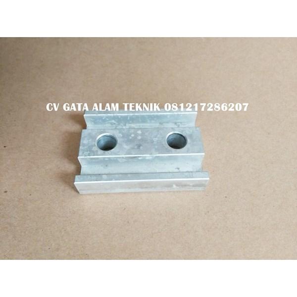 Clamp Aluminium Klem Aluminium uk 70x50x15mm