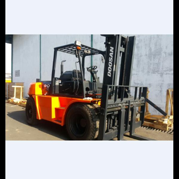 Forklift Diesel Doosan 9 Ton