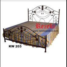 Tempat Tidur KW203