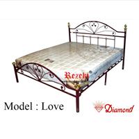 Jual Tempat Tidur Model Love