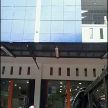 Konstruksi Kanopi Fiber Dan Kaca