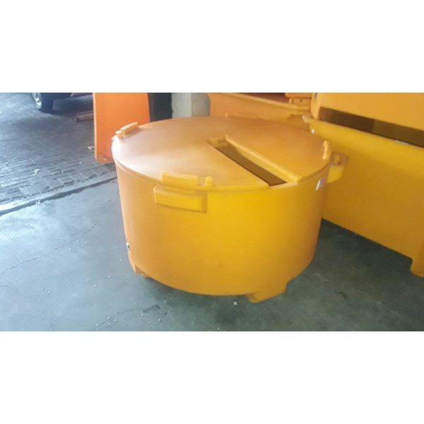 Tanaga Cooler Box 450 Litre