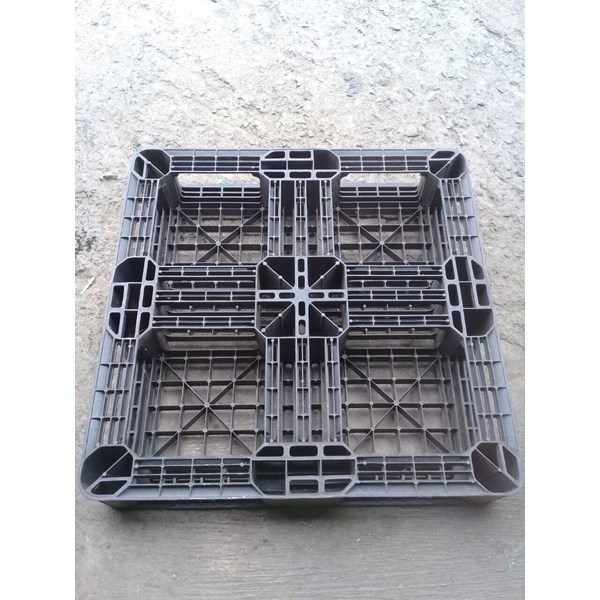 Pallet Plastik bekas uk 74x74x12 cm