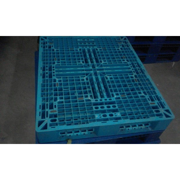 Pallet plastik bekas Ukuran 110x110x15 cm model WAJID