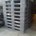 Pallet plastik bekas ukuran 110x110x15 cm model rata Lot  3 ton  4