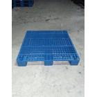 Pallet plastik bekas ukuran 110x110x15 cm model rata Lot  3 ton  5