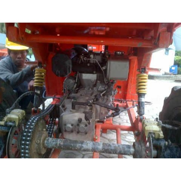 Traktor kelapa sawit dengan Kubota OC95