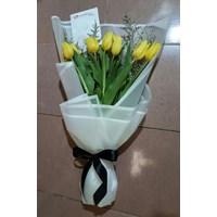 bunga tangan tulip 083870698952 1