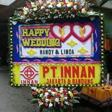 bunga papan happy wedding 083870698952