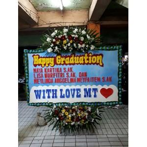 Bunga papan untuk sidang /wisuda 083870698952/081586030961